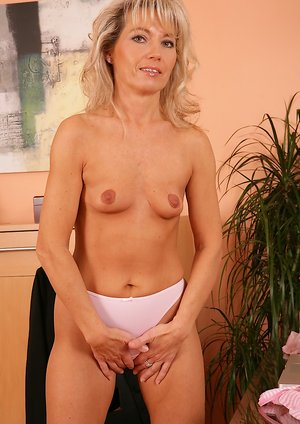 Small Tits Milf Porn