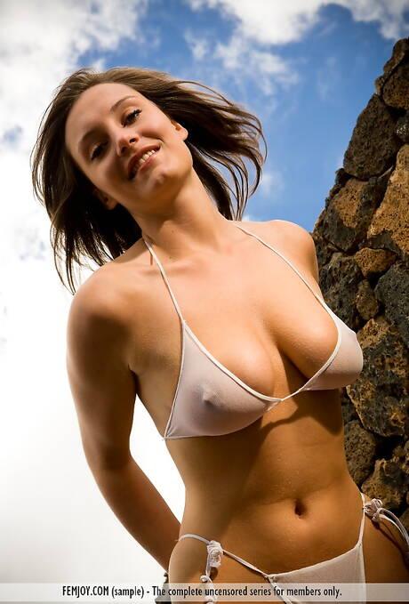 Bikini Milf Porn